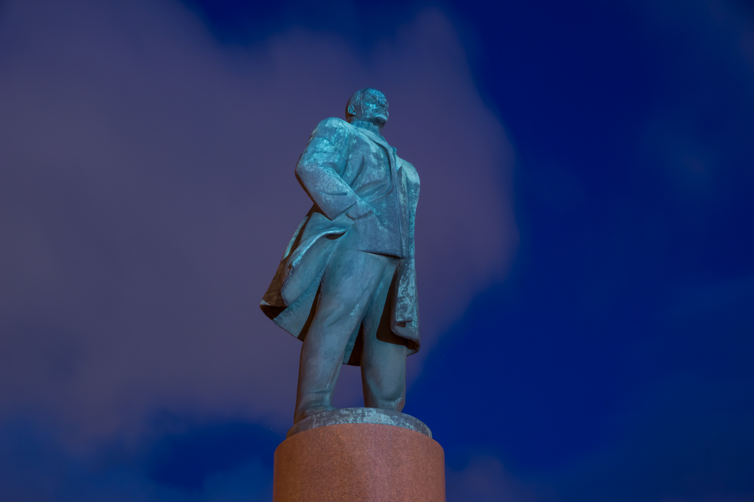 monument to v.i. Lenin at Kaluzhskaya square