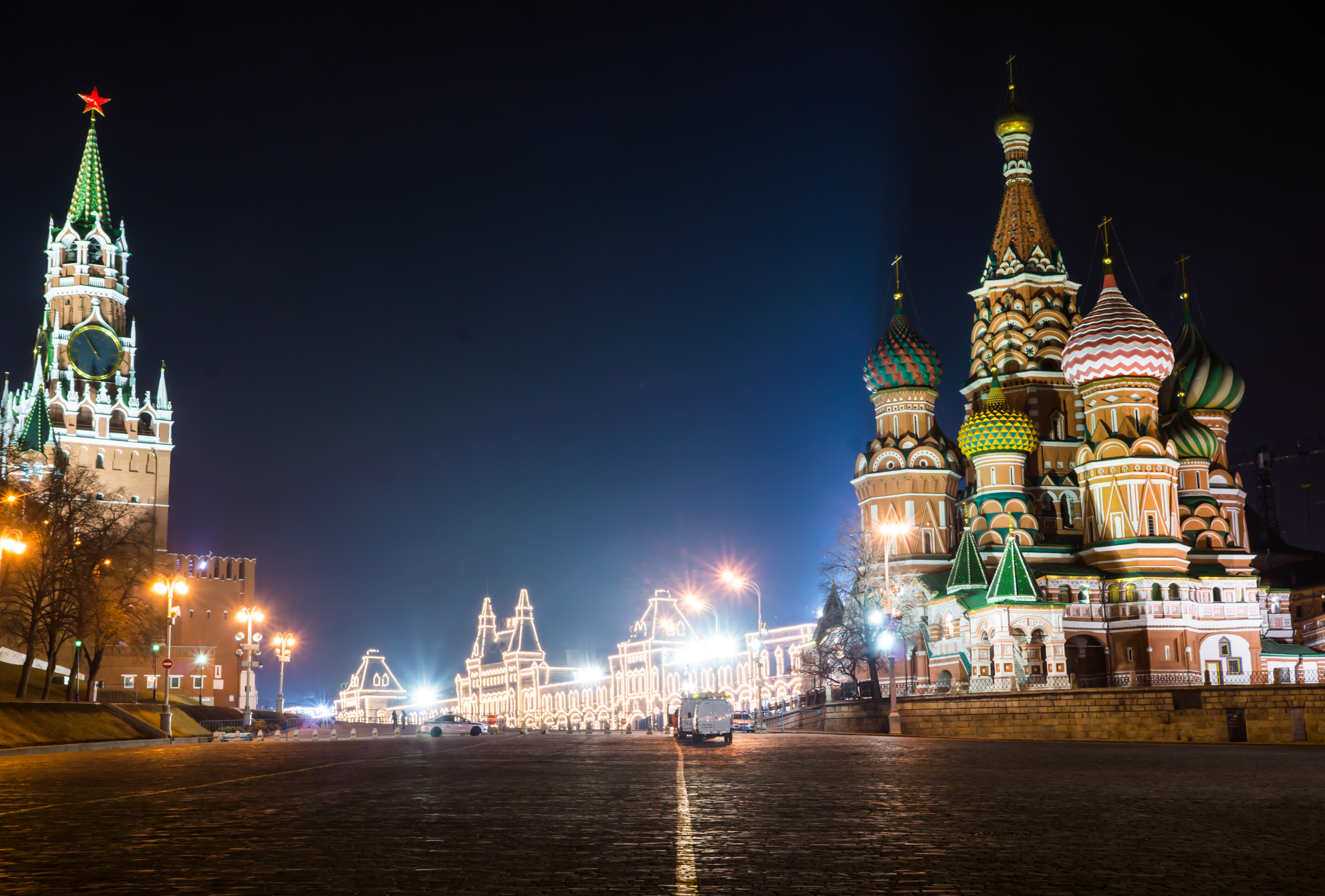 Night view of red square by Vasilevsky spusk