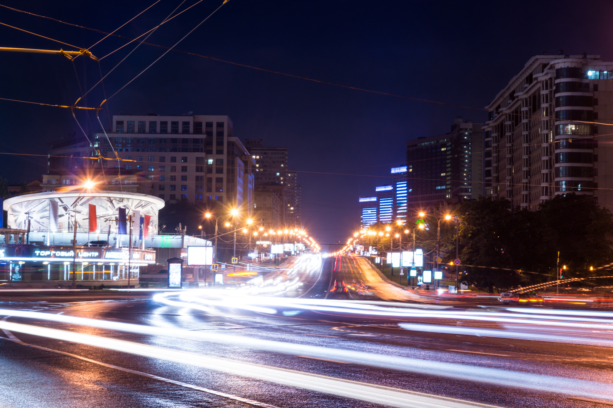 Night view of the Novy Arbat street