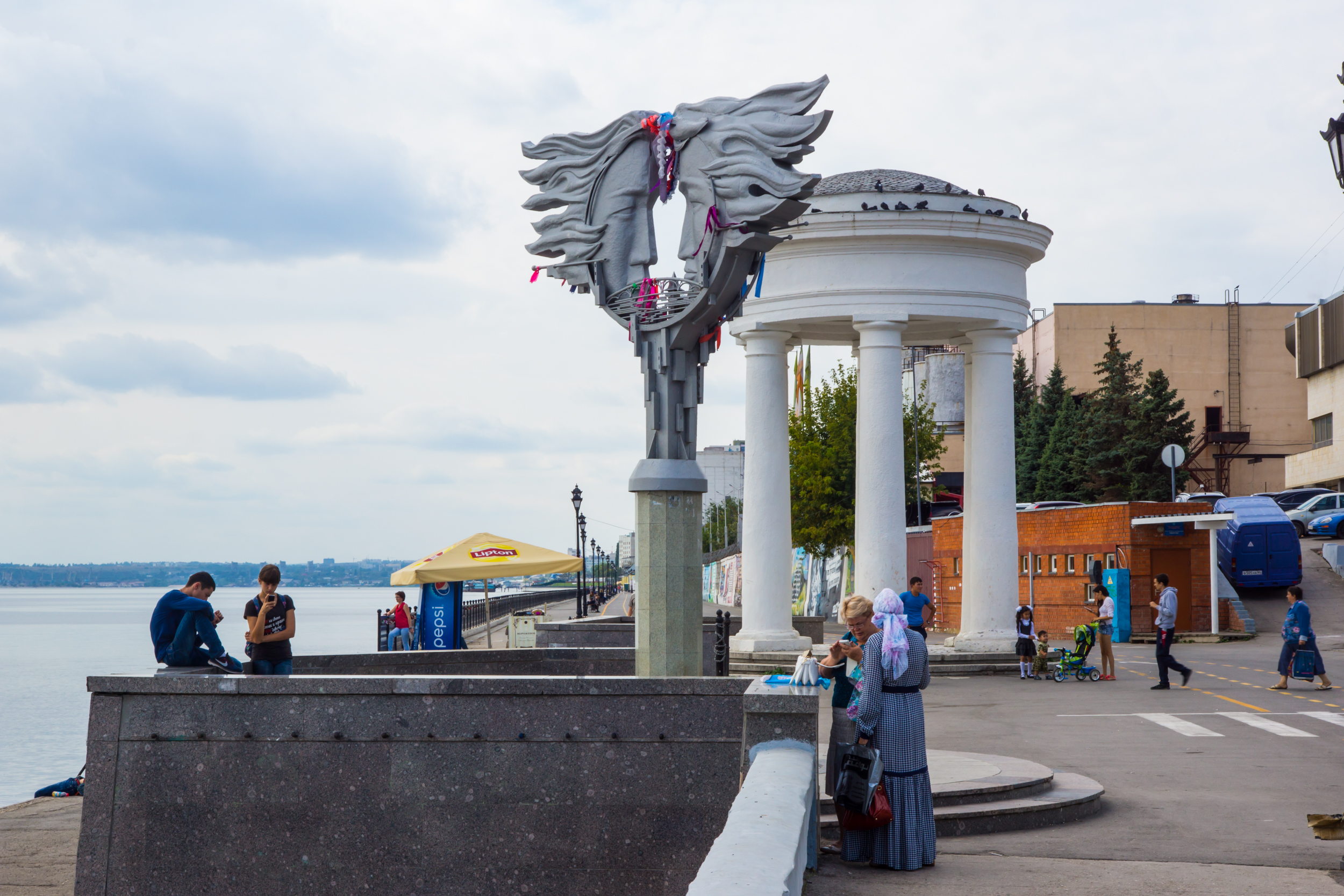 Lovers monument at the seafront of astronauts