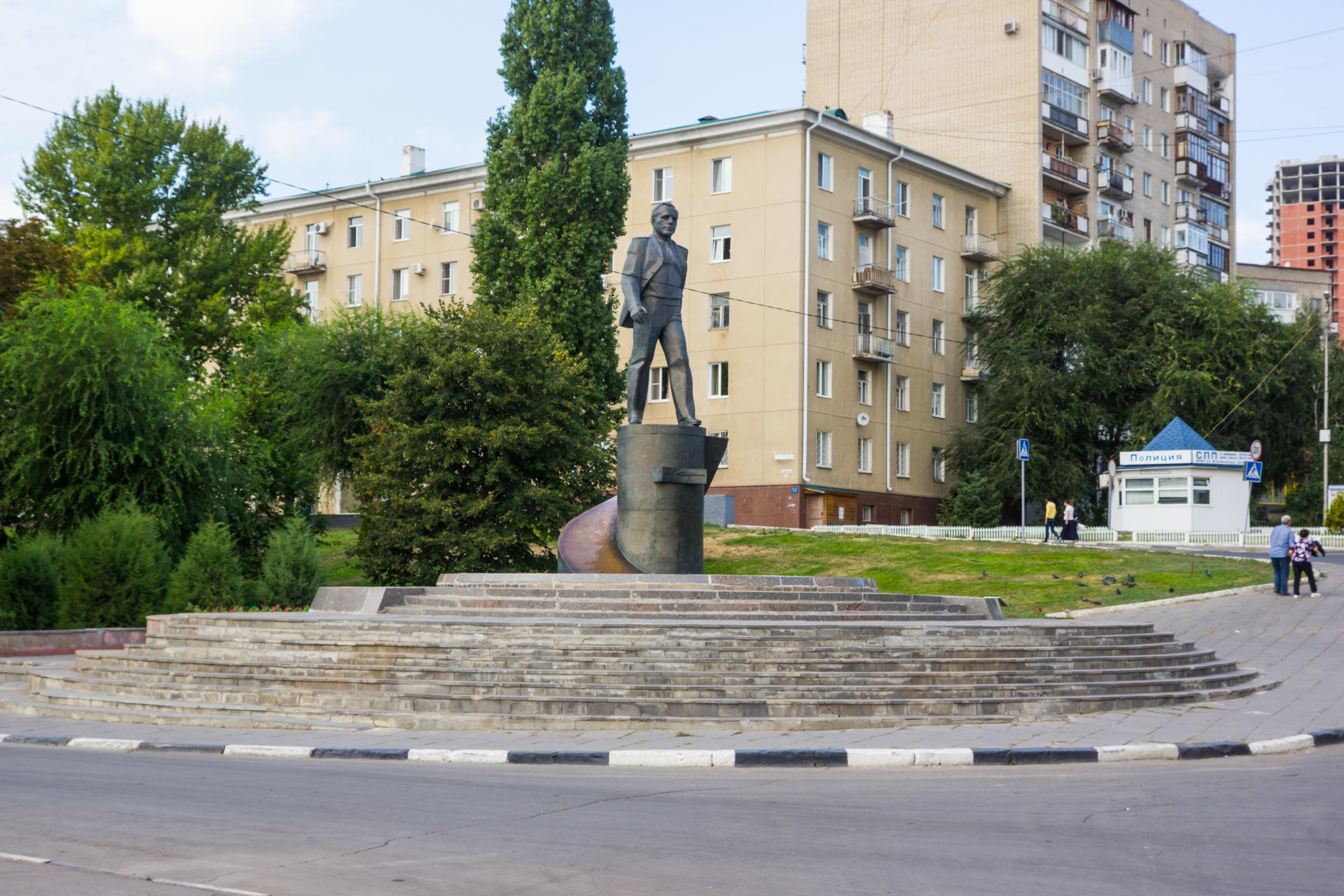 Denkmal für Gagarin auf Kosmonauten Promenade Saratow