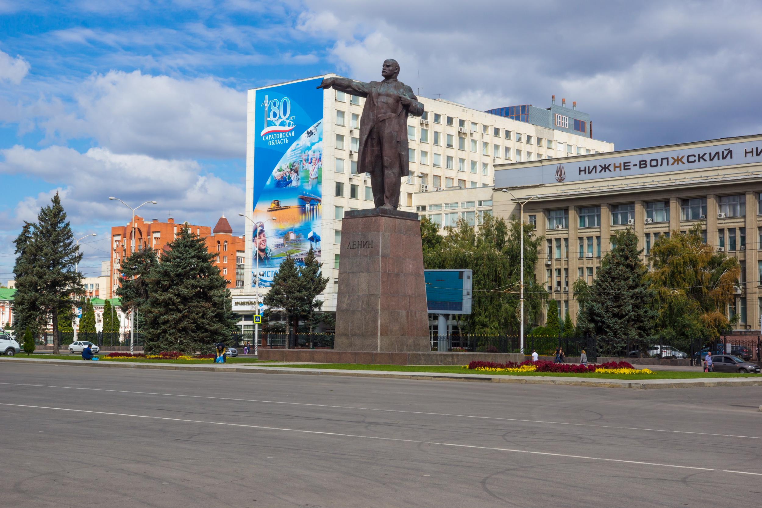 在广场上的列宁纪念碑