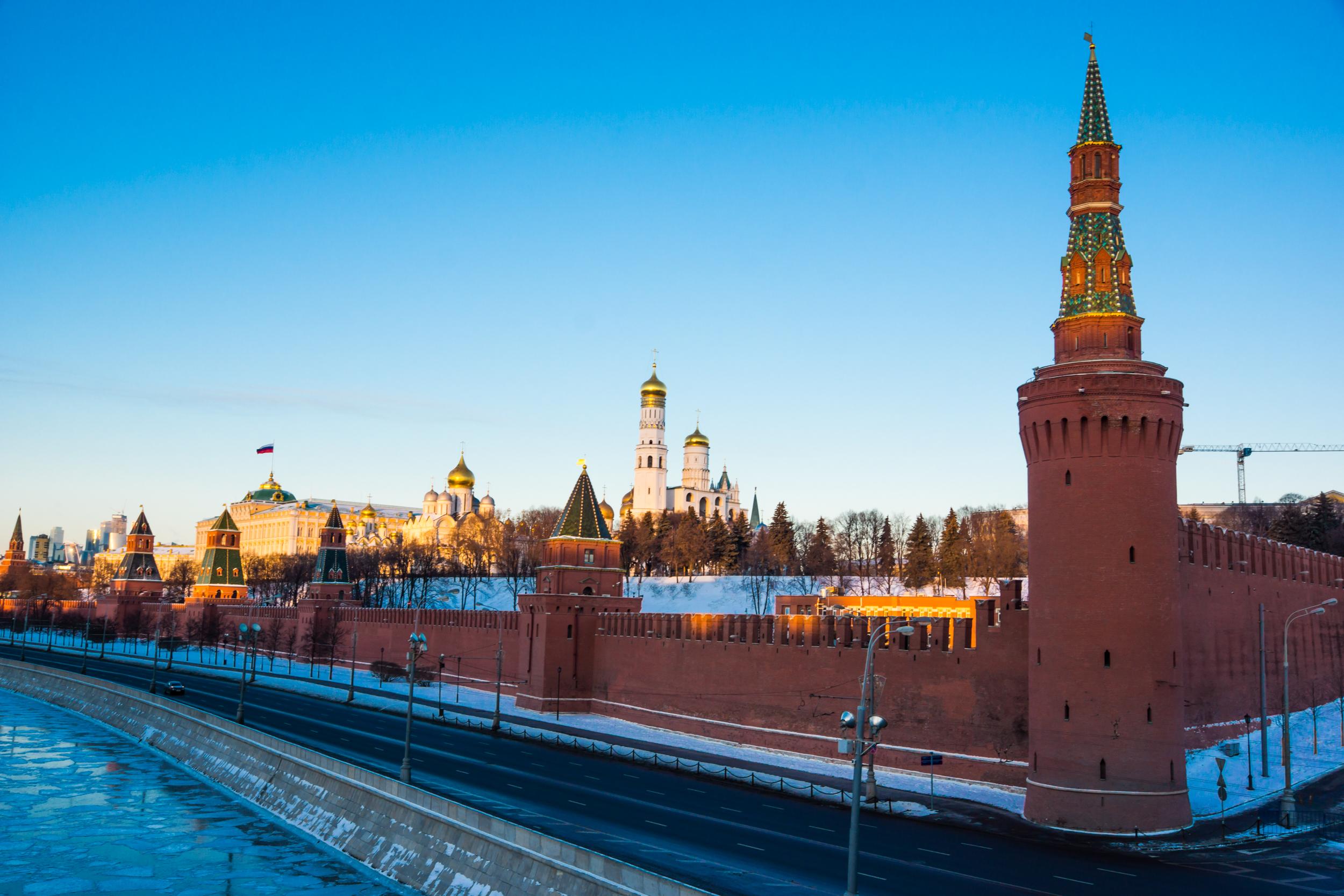 Кремль утром