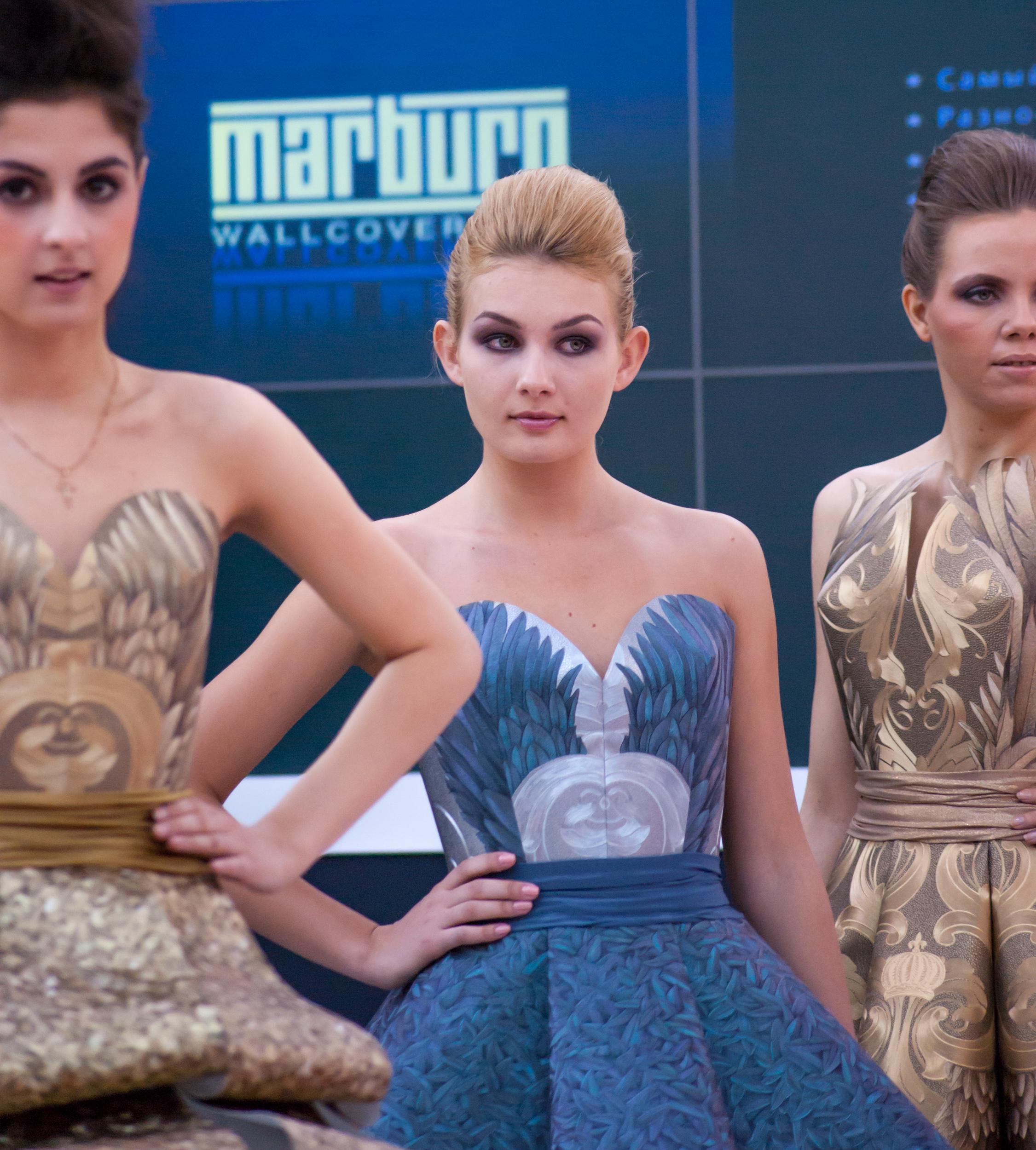 фото платьев из обоев