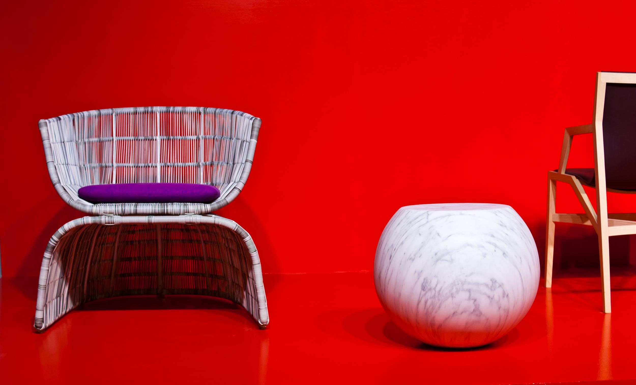 композиция с креслом