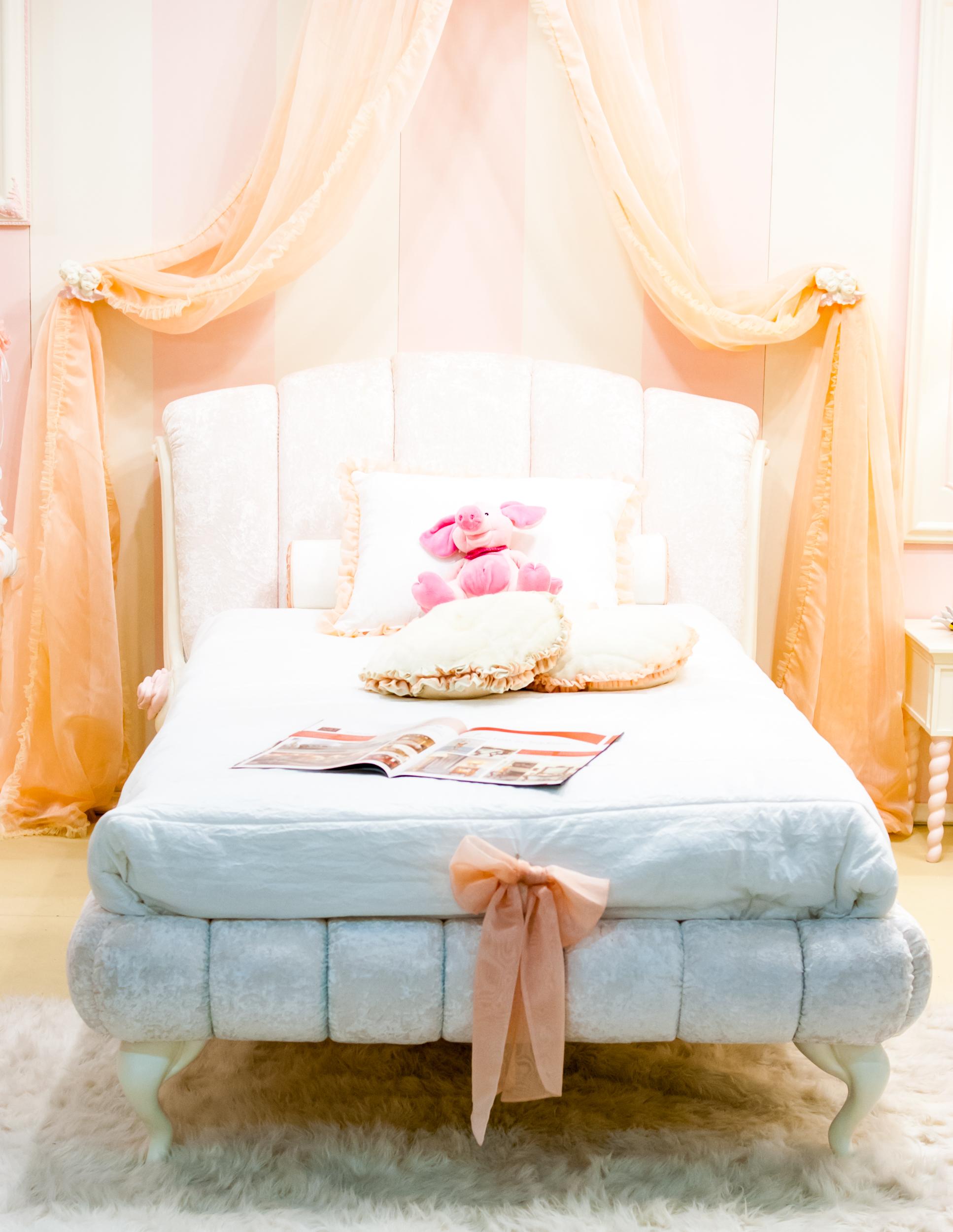гламурная кровать для девушки
