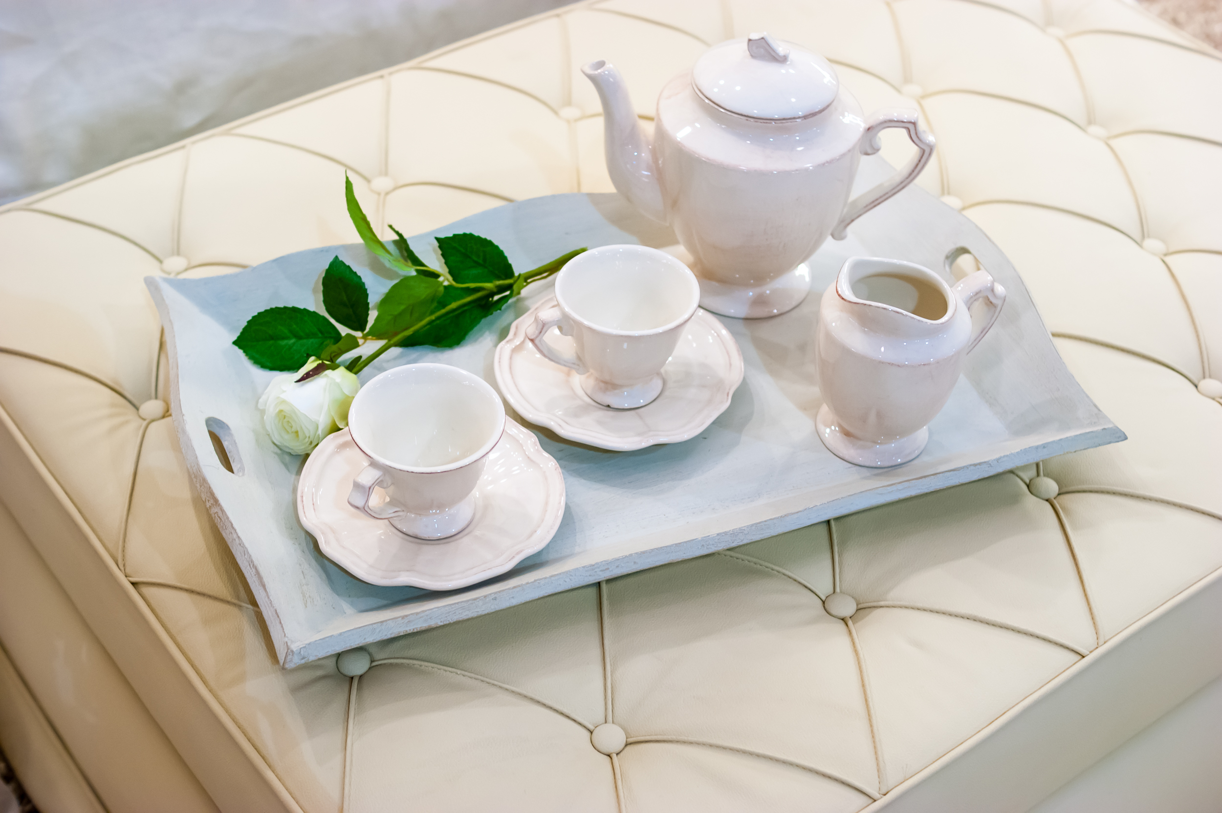 Чайный набор и поднос