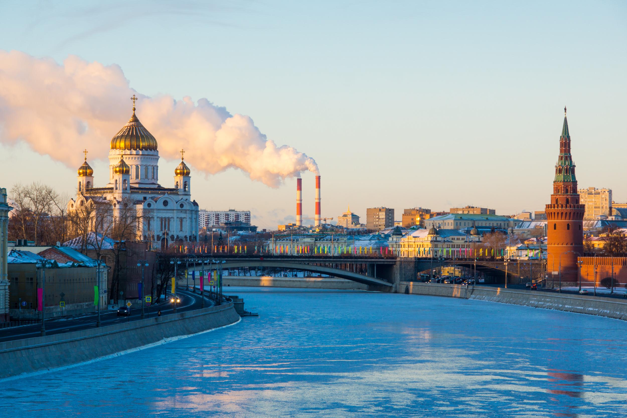 Москва река и Храм Христа Спасителя