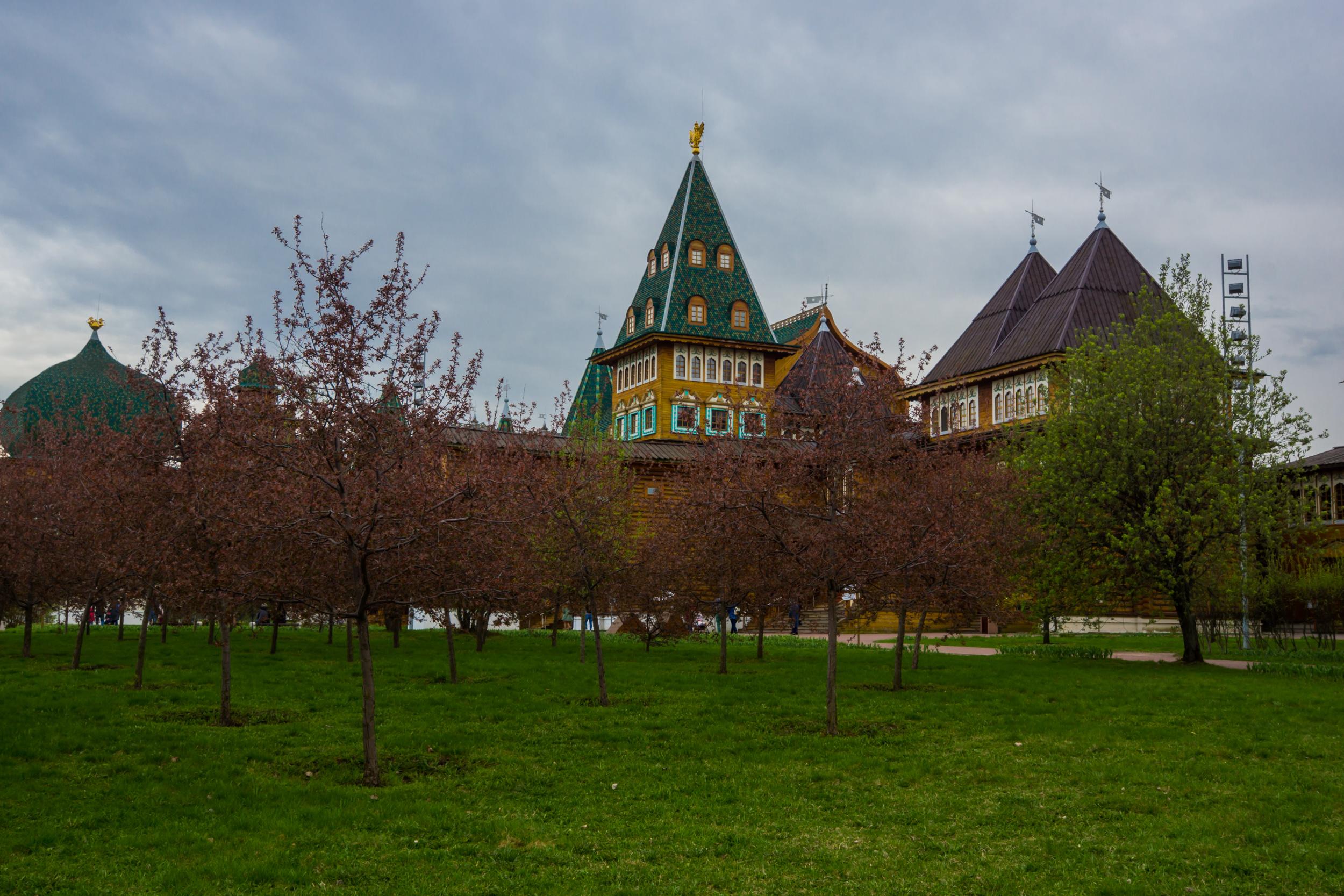 воссозданный дворец Алексея Михайловича