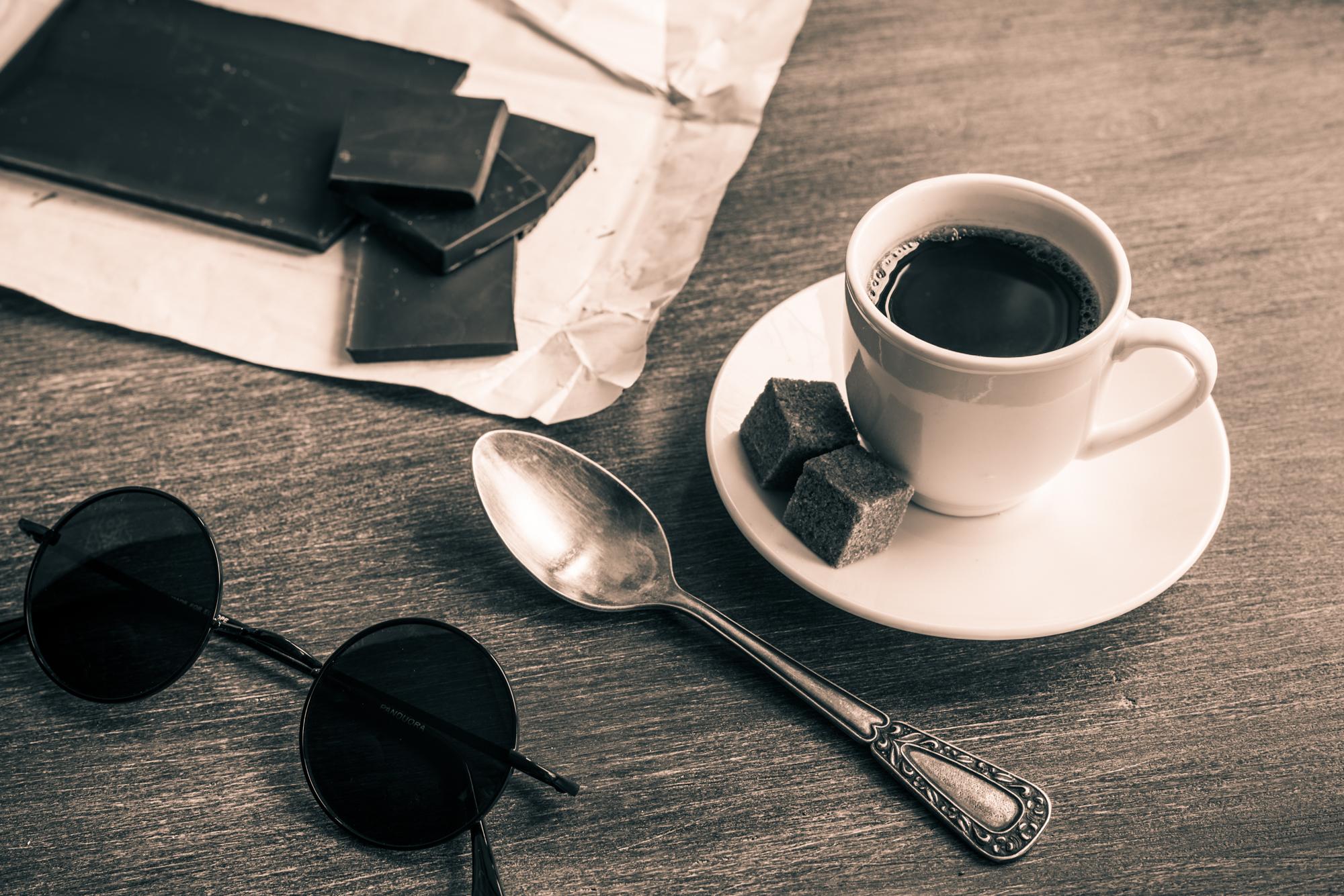 фот о чашки кофе на столе