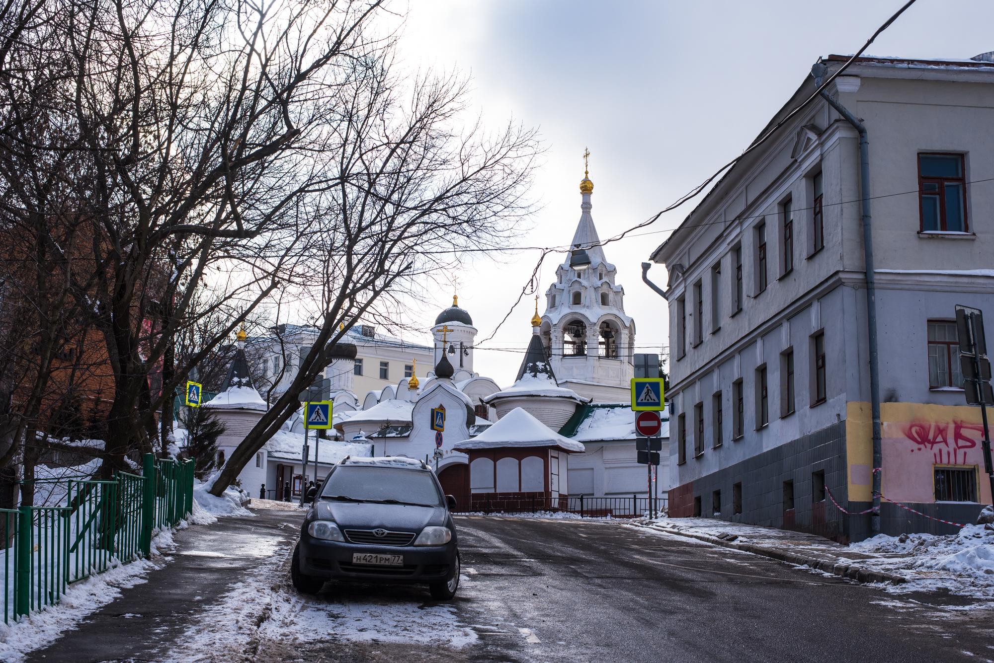 Монастыри в Москве