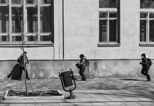 весенняя уличная фотография