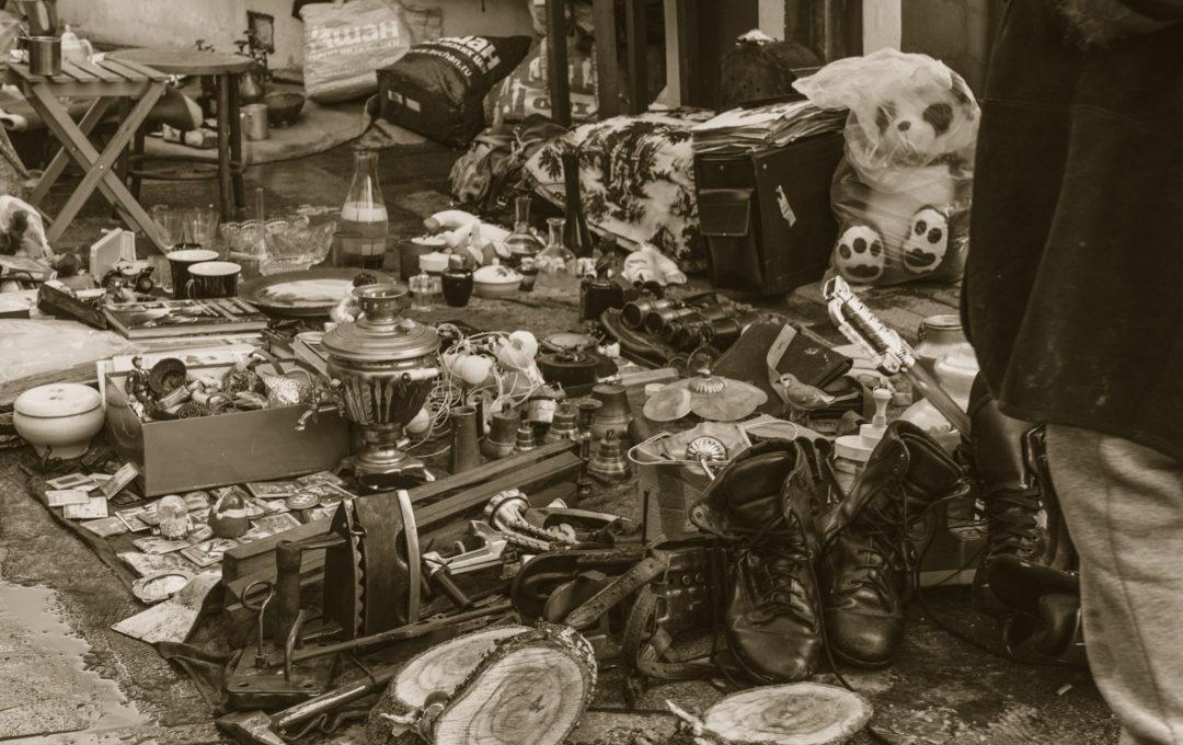 Блошиный рынок в Измайлово — фоторепортаж с «Вернисажа» в Измайловском Кремле