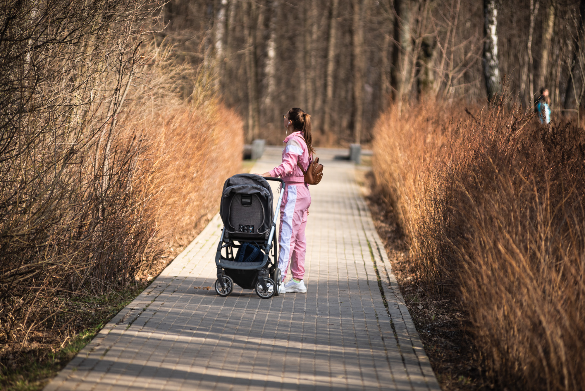 Прогулка с коляской в парке